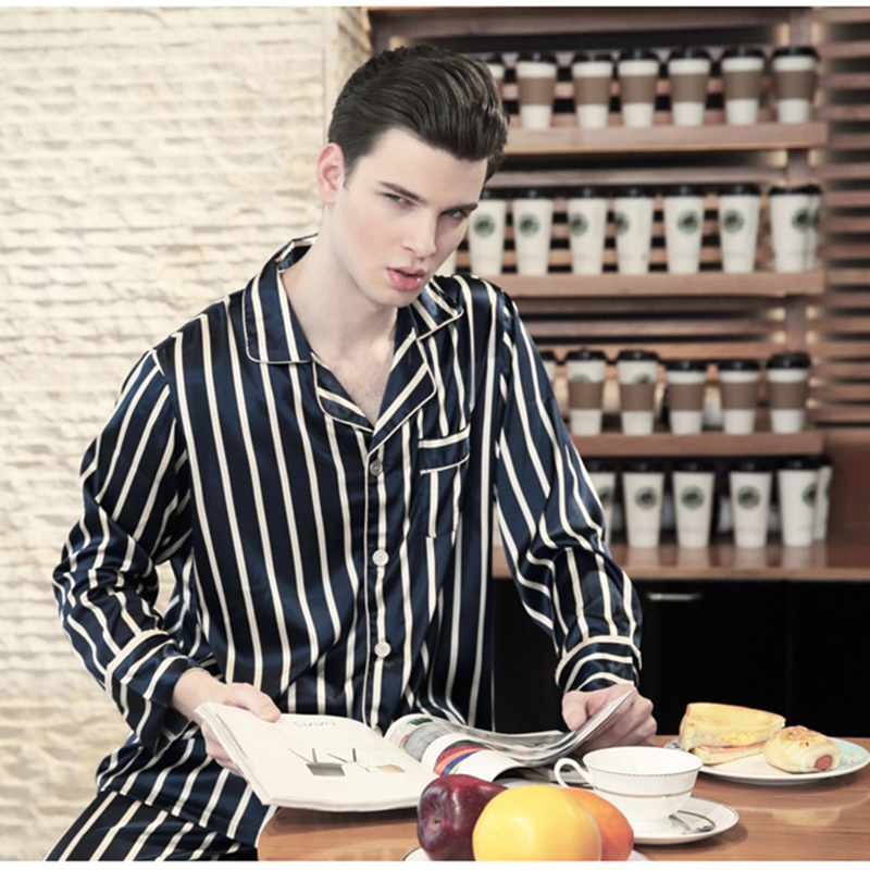 2018 New Luxurious Men Stain Silk Pajama Set Black And White Stripes Sleepwear Long Sleeve And Pants Home Clothes Male Casual