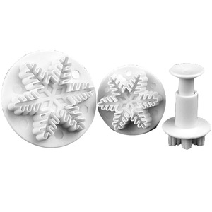 Image 3 - Wedding Party Snowflake Fondant Cake Decorating Plunger 3Pcs/Set  Sugar craft Cutter Mold Tools Christmas Cake Decorating Tools