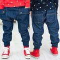 Бесплатная доставка! Горячая распродажа 2015 весна осень детская одежда, Мальчиков джинсы, Свободного покроя, Мода, Мальчиков брюки, Мальчик шаровары. Детской одежды
