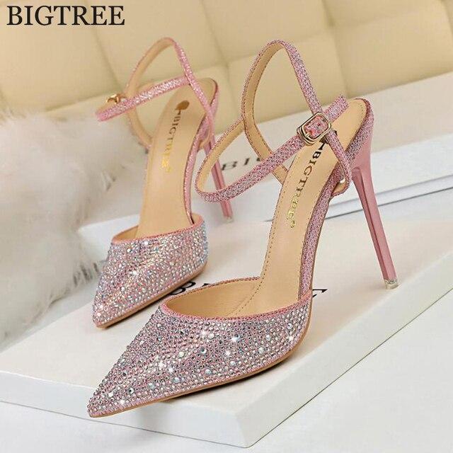 Bombas Das Mulheres do estilo Sexy Oco Apontou Stiletto Saltos Diamante Cor Feitiço sapatos de Salto Alto Sapatos de Ouro Mulher zapatos mujer tacon