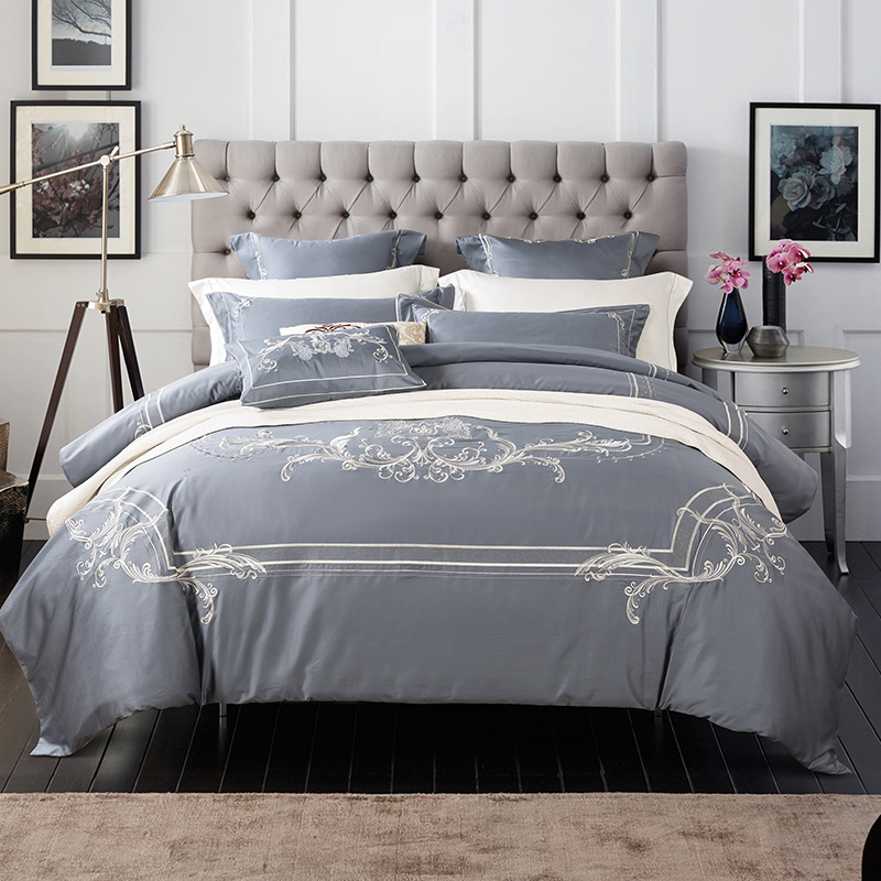Luxury embroidery Egyptian Cotton Bedding Set Duvet Cover Sheet Pillowcase King Queen Size red grey Bed Linen 4/6pcsLuxury embroidery Egyptian Cotton Bedding Set Duvet Cover Sheet Pillowcase King Queen Size red grey Bed Linen 4/6pcs