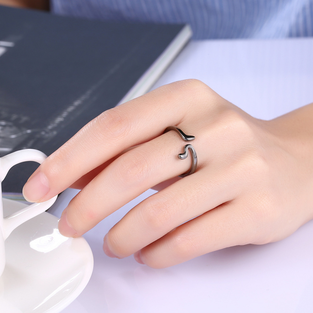 Minimalist Luxurious Black Gold Color Plated Simple Rings For Men ...