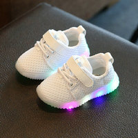 Glowing Sneakers New Fashion Child Spring Casual Shoes Flash LED Light Up Sneakers Cocount Luminous Toddlers Boys Girls Sport