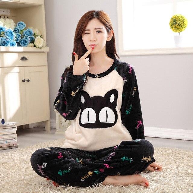 64ea246e63 Invierno ocasional de las mujeres de franela pijamas conjuntos cat fish de dibujos  animados cuello redondo
