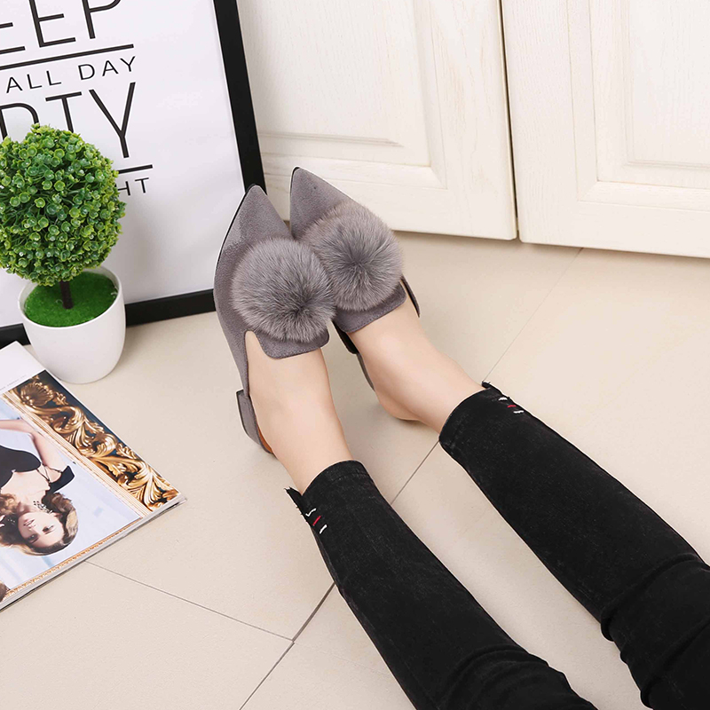 Women Flat Shoes Fashion Low Heel pompon Fur Ladies Silppers Slip-on Sandals Women Mules Pointed Toe Casual Flat Shoes spring summer women leather flat shoes 2017 sweet bowtie flats women shoes pointed toe slip on ladies shoes low heel shoes pink