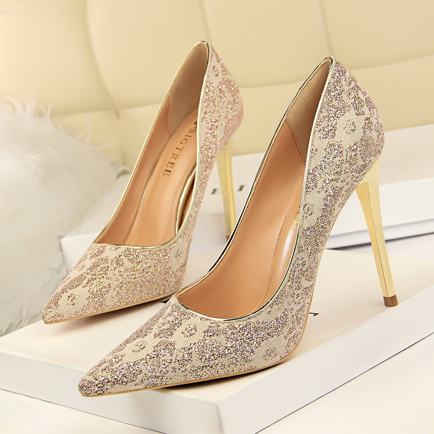 Shoes Woman High Heels Pumps Red High Heels 10CM high heels sexy nightclubs shallow spikes lace single shoes wedding shoes цена