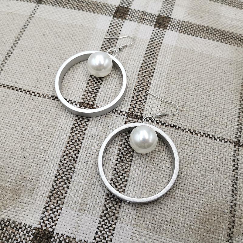 Купить с кэшбэком YD&YDBZ Imitation Pearl Round Pendant Metal Earrings New Earring For Women Drop Earrings Jewelry  Luxury High Quality Handmade