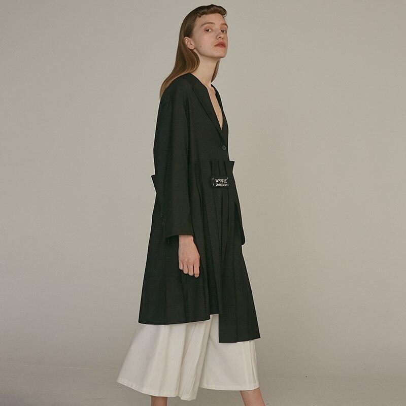 [EAM] 19 New Autumn Winter Lapel Long Sleeve Khaki Irregular Hem Pleated Split Joint Windbreaker Women Trench Fashion JQ483 7