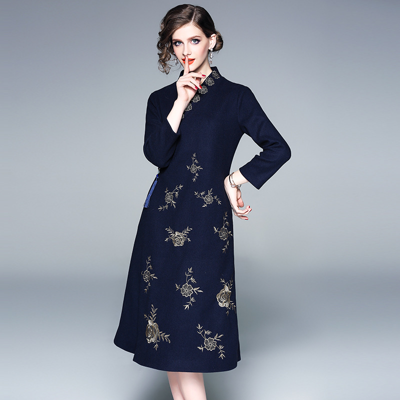 2018 broderie Style chinois robe femmes hiver joli col en V trois quarts manches femme Cheongsam robes fermetures à glissière