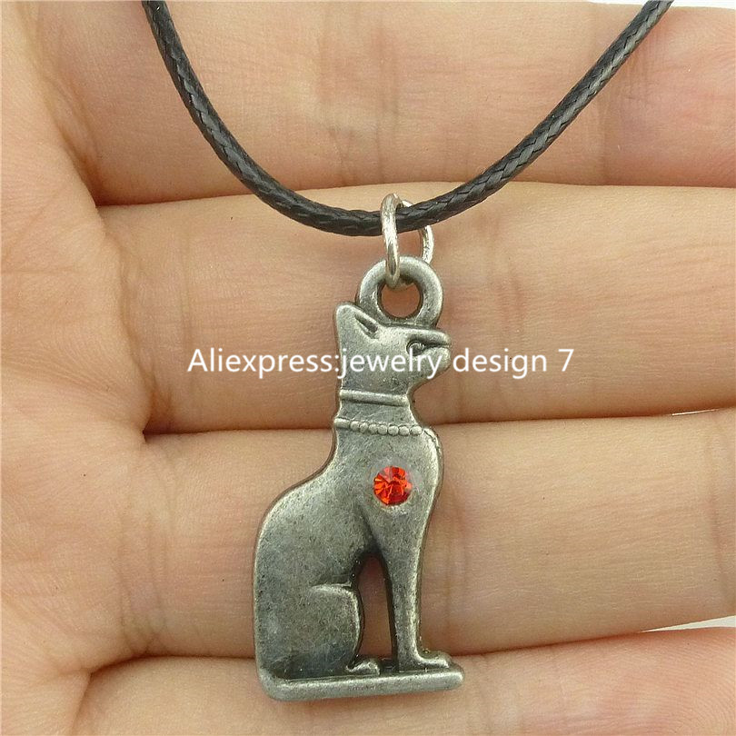 Men And Women Wear Necklace Ancient Egyptian Cat Goddess Statue Glass Pendant Round Pattern Necklace
