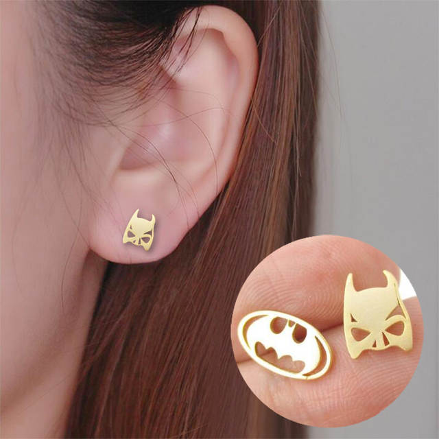 b470e6f0e89a3 US $0.83 16% OFF|Shuangshuo Batman Themed Bat Mask and Logo Shaped Stud  Earrings for Women DC Comics Super Heroes Earrings Fashion Jewelry ED076-in  ...