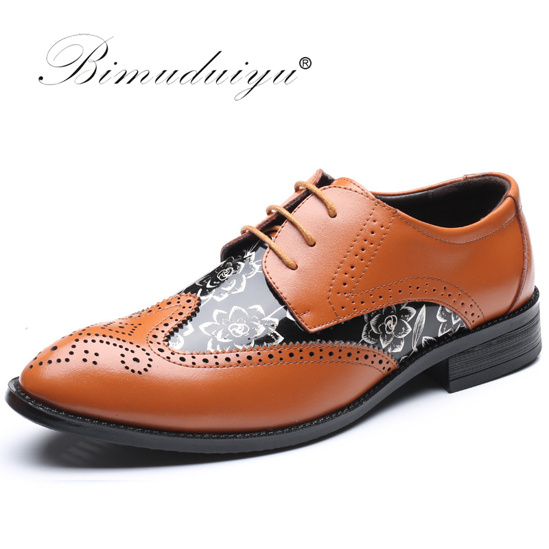BIMUDUIYU Lace Up Designer Luxury Men Shoes Fashion PU Leather Dress Shoes Pointed Toe Bullock Oxfords Shoes Men Wedding Office qffaz new fashion mens formal dress shoes pointed toe genuine leather bullock oxfords shoes lace up designer luxury men shoes