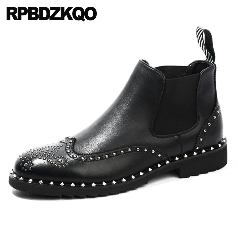 Boots Black Metalic Wingtip Chelsea Flat Booties British Style Rivet Punk Stud Rock Designer Shoes Men High Quality Top Brogue stud high top flat booties metalic sneakers rock ankle shoes winter men boots with fur brown rivet punk black zipper trainer
