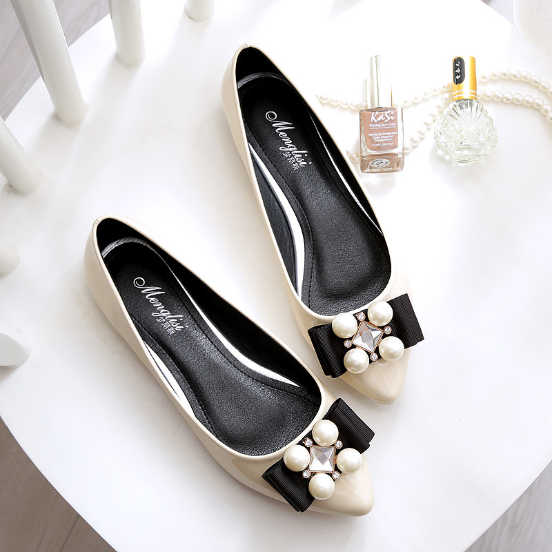 Rhinestone Spring Shoes Women 2017 New Fashion Women Flat Shoes Plus Size 40-45 Patent Leather Diamond Flats Mocasines Mujer new 2017 spring summer women shoes pointed toe high quality brand fashion womens flats ladies plus size 41 sweet flock t179