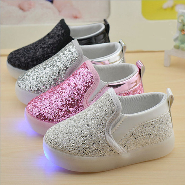 Glowing Sneakers 2017 Children Girls Glitter Shoes With Light Toddlers Loafers Baby Shoes Light Up Glitter Casual Shoes For Kids