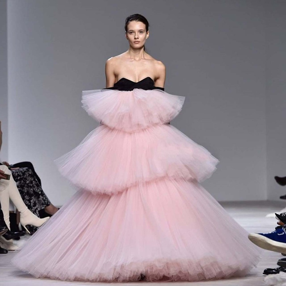 Blush Pink Puffy Tutu Ruffles Tiered Evening Gowns 2019 Chic Fashion Floor Length Prom Gowns Custom