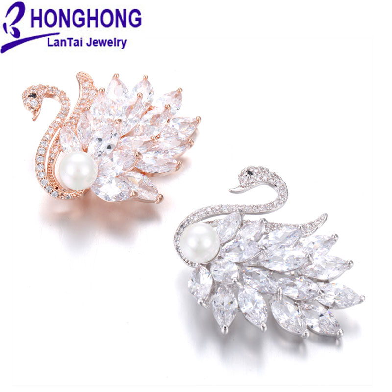 HONGHONG haute qualité cygne broches broches pour femmes mariage broches mujer belle Animal zircone perle broche bijoux de mode