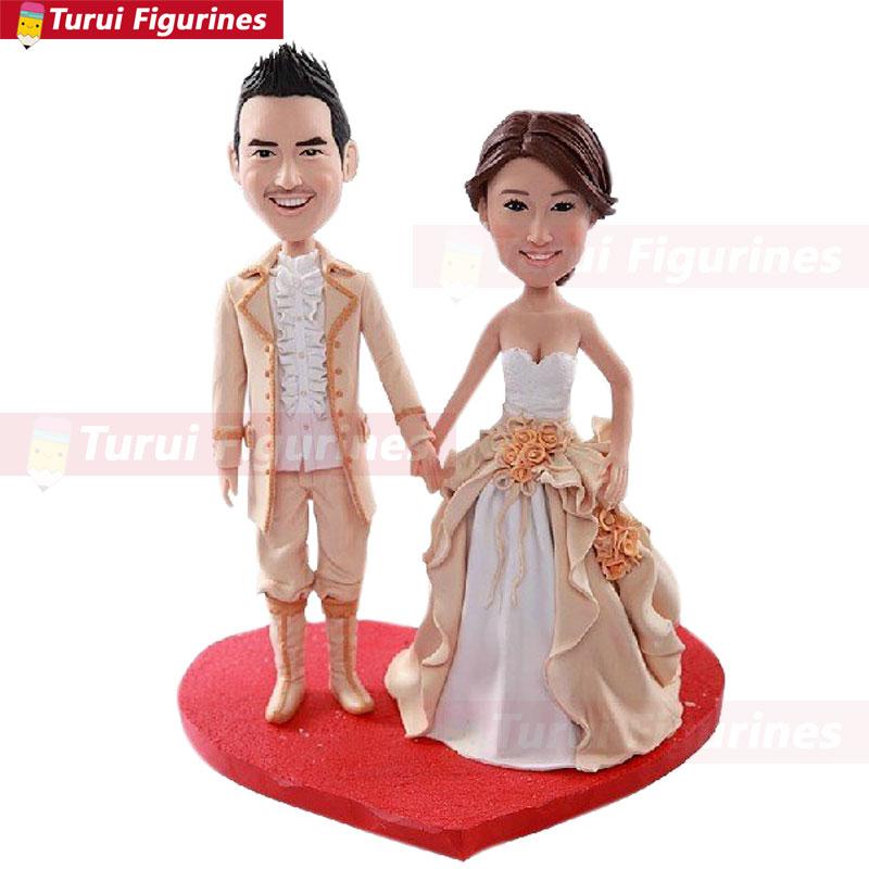 Mariage Royal médiéval personnalisé gâteau Topper Bobble tête argile Figurines basées sur les Photos des clients en utilisant comme gâteau de mariage Topp