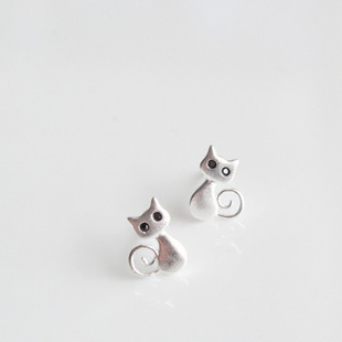 Real 925 Sterling Silver Jewelry For Women Cute Animal Cat Earring Stud Small Stud Earring For Girls Wholesale in Stud Earrings from Jewelry Accessories