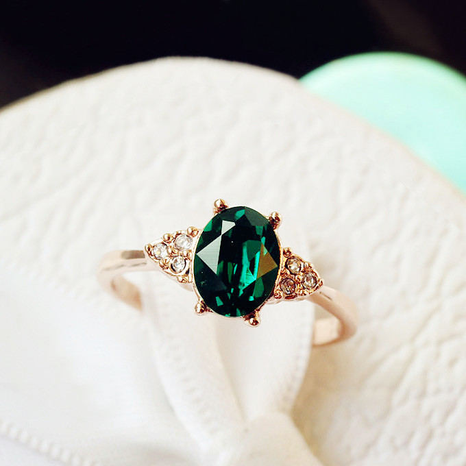 Fashion Vintage Rose Gold Color Small Oval Imitation Emerald Green Crystal Ring Women Jewelry Accessories