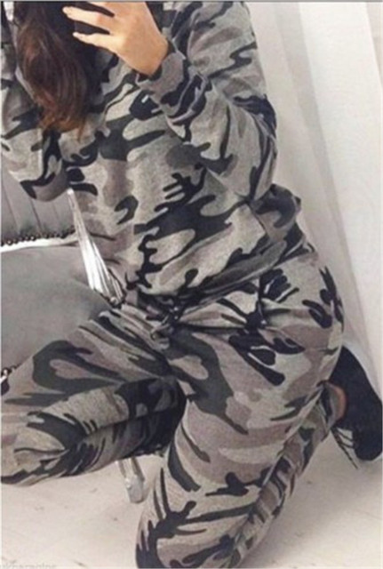 The new speed sell through ebay Europe and the United States  two-piece camouflage suit long sleeve shirt trousers