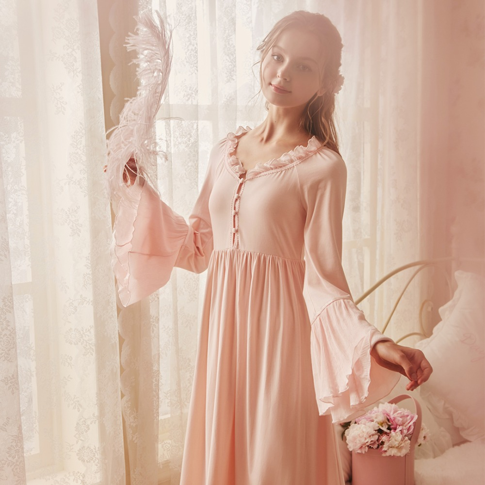 Free Shipping 2018 New Fall Princess Women s Long Pink and White Nightgown Cotton Nihgtshirt Ruffles