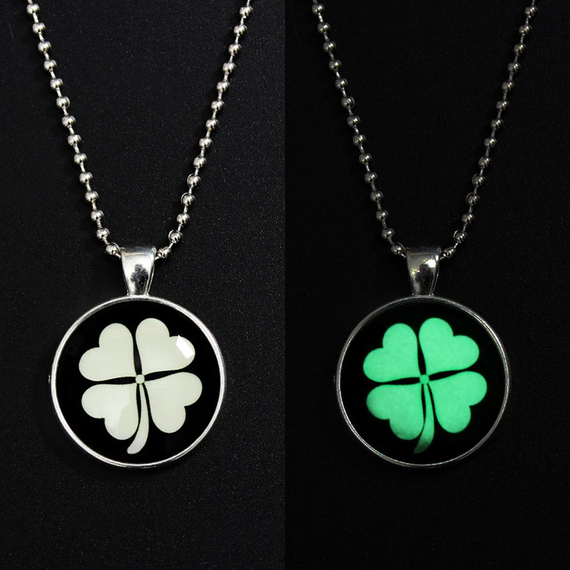 2018 Romantic Clover Glow Necklace Women Choke Crystal Dome Glow In The Dark Pendant Bead Chain Lucky Necklace Wedding Jewelry