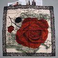 Rosa roja de Impresión de Sarga de Seda 100% Calidad de Las Mujeres Pañuelos de Seda Cuadrados Bufanda Del Mantón Wraps 90x90 cm Ropa accesorio