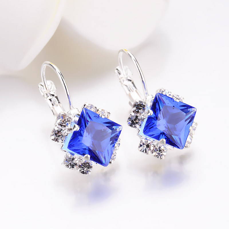 d8033793e2 US $0.89 11% OFF Fashion 2018 Stone Rhinestones girls White Square Crystal  Drop Earrings For Women Statement Wedding Jewelry Pendientes Mujer-in Drop  ...
