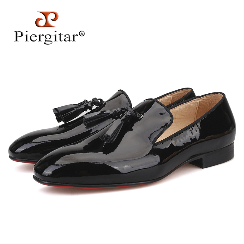 Piergitar New Handmade Men Leather Shoes With Leather Spikes Tassel Fashion Party And Wedding Men's Loafers Plus Size Male Flats