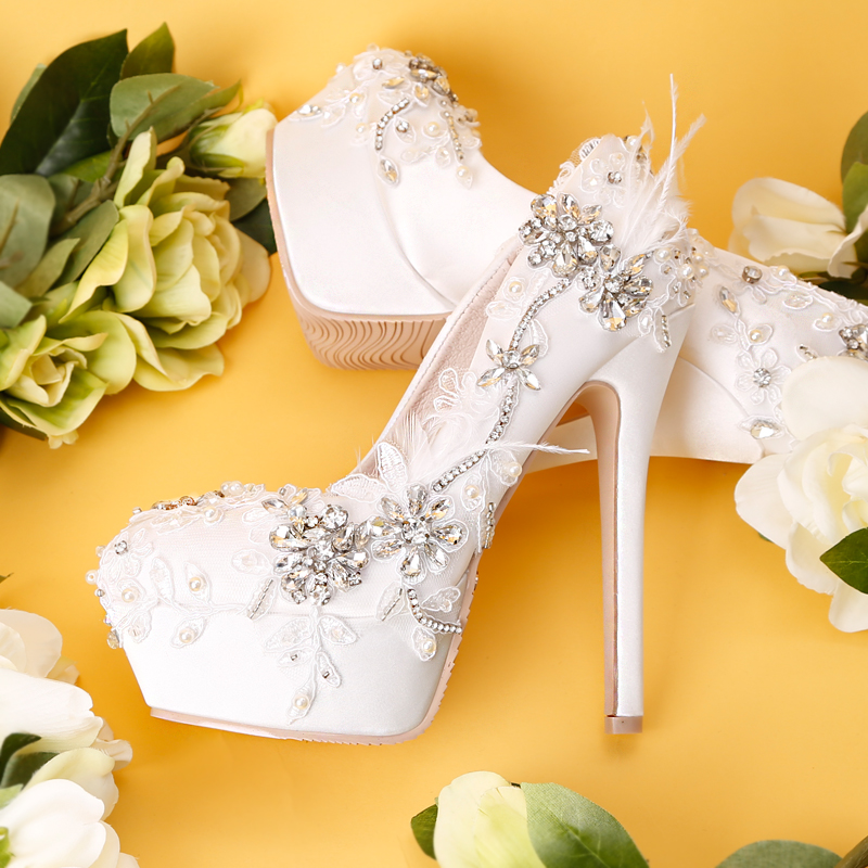 New white water drill lace waterproof table wedding shoes in the fall of 2018 satin face light mouth fine feather bride shoesNew white water drill lace waterproof table wedding shoes in the fall of 2018 satin face light mouth fine feather bride shoes