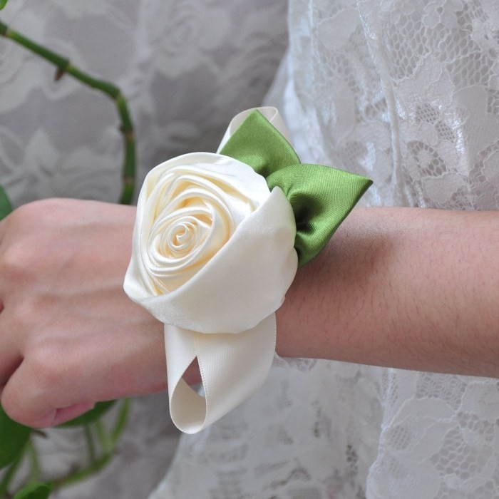 Rose Flowers Beige Color Handmade Diy Bride Bridesmaid Wrist Hand