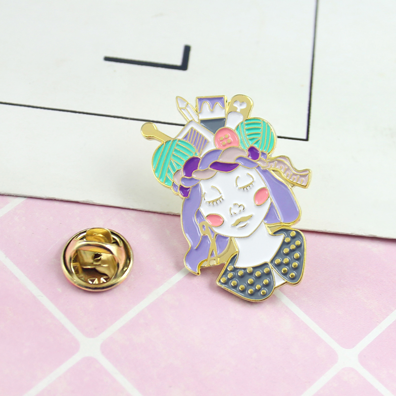 Craft-Queen-Brooch-Tape-Measure-Scissors-Needle-Pen-Yarn-Ball-Girl-Enamel-Pin-Denim-Knit-Funny (3)