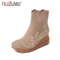 HUIZUMEI 2017 autumn and winter new embroidered leather women's boots with a round head waterproof flower embroidery shoes