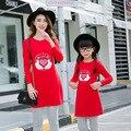Мать дочь платья осенью и зимой Мама Детские футболки платье семьи сопоставления одежда Красный Черный 4-10 Год