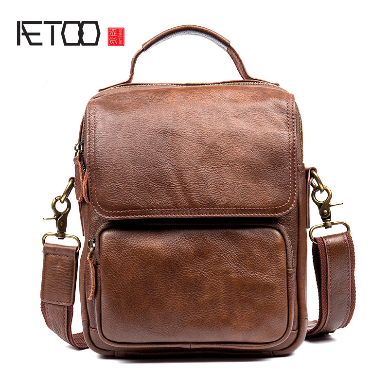 AETOO Men 's casual men' s leather Messenger bag first layer of leather shoulder bag Messenger bag IPAD package men s leather oblique cross chest packs of the first layer of leather deer pattern men s shoulder bag korean fashion men s bag