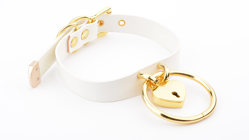 Punk Gothic Hand Crafted 100% Real Leather Choker 60mm O Round Gold Collar Kawaii Love Heart Necklace Women Lockable BDSM Choker 8