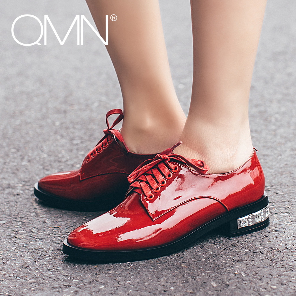 ФОТО QMN women genuine leather flats Women Patent Leather Crystal Heels Brogue Shoes Woman Round Toe Real Leather Oxfords
