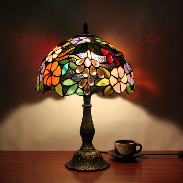 Estilo tiffany l mpara de mesa antigua de vidrieras lustre for Lamparas de mesa tiffany