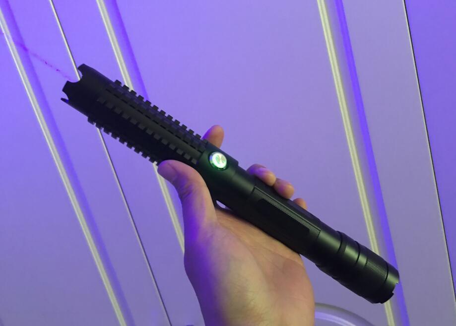 Высокая Мощность голубой лазерная указка 500000 м 450nm люмен фокус горения Lazer Ручка сжечь бумаги горит сигареты резки + 5 шапки + коробка
