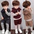 Тепло! 2016 новорожденный ребенок костюм детская одежда бренда спортивной костюм мальчиков и девочек Футболка + жилет + брюки 3 шт. бесплатная доставка
