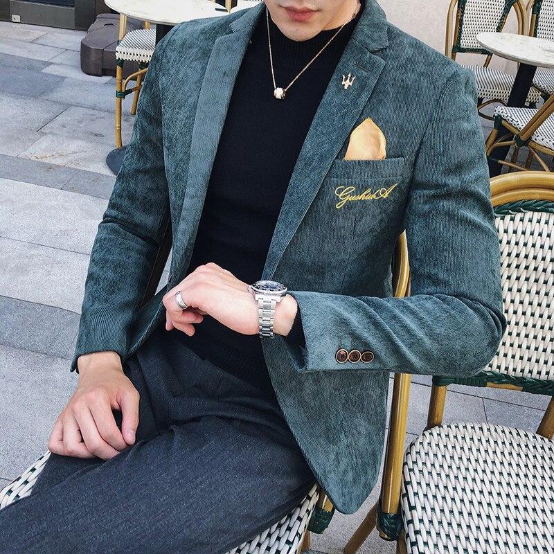 コーデュロイブレザー男性スリムフィットグリーンカーキグレー 2019 男性ブレザースーツのジャケットゴールド刺繍 Terno Masculino 韓国男性ブレザー