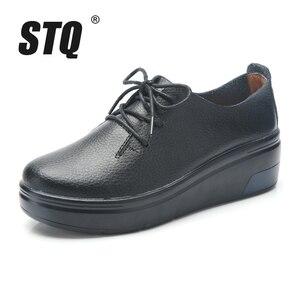 Image 2 - STQ 2020 Winter Women Platform Sneakers Shoes Ladies Genuine Leather Lace Up Flats Women Plush Fur Platform Flats Shoes 1278