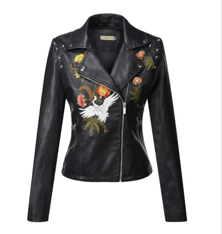 2018 Autumn fashion Embroidered PU   Leather   Jacket Women Slim Punk Faux   Leather   Motorcycle Jacket Short Design Zipper Coats r131
