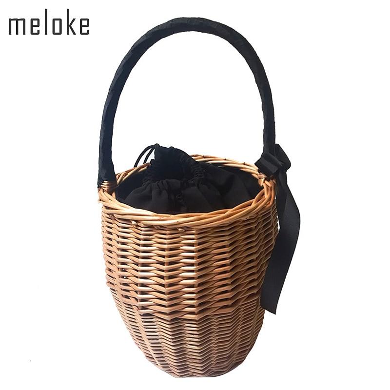 Meloke 2019 Bohemian Straw Bags Fashion Beach Handbags ձեռքի աշխատանք Ամառային հյուսած զամբյուղով պայուսակ ժապավեններով տոնական պայուսակներ MN666