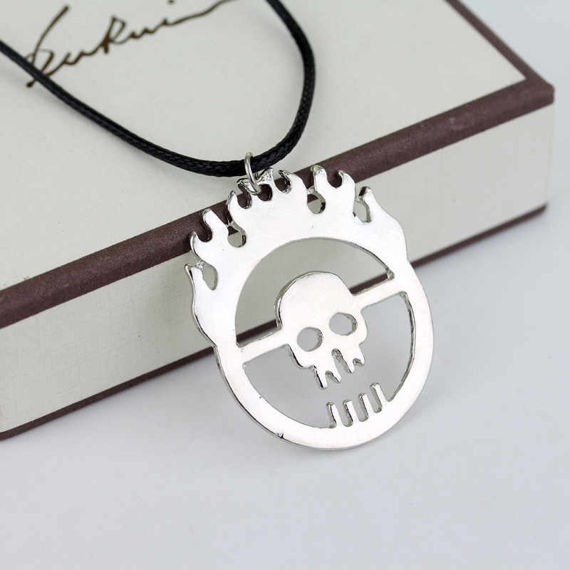 Dongsheng Hot Mad Max Fury Road Joe Schedel Gang Ketting Flame Skull schorsing Kettingen met Lederen Touw-30