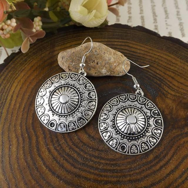 SALES 2018 New Arrival Bohemia Tibet Jewelry Tibetan Silver Vintage Round Pendnat Retro Drop Earring 1pair for Women Hot MK-013(China)
