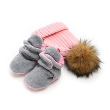 Delebao New Design Cotton Fluff Crib Shoes Winter Baby & Hat Sets Soft Sole Toddler