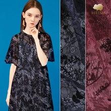 9cadd8a180 Dupla face de tecido de fios de seda bordados de organza camisa perspectiva  vestido de renda bordado tecido moda tecido de seda .