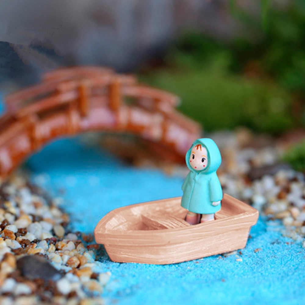 2 adet/takım yeni reçine el sanatları Retro ahşap tekne modeli figürü oyuncak mikro peyzaj DIY el sanatları peri bahçe minyatürleri sıcak satış